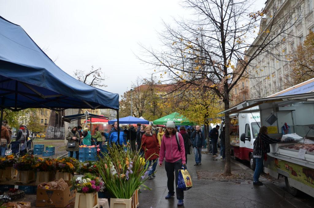 Marktstand mit Blumen